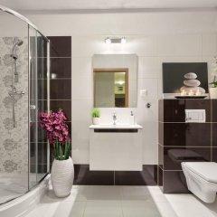 Отель City Aparthotel Wola ванная фото 2