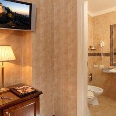 Hotel Condotti 3* Улучшенный номер с различными типами кроватей фото 5