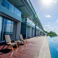 Отель Surin Beach Resort 4* Улучшенный номер с двуспальной кроватью фото 5