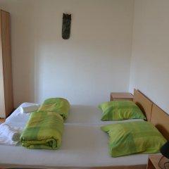 Хостел JR's House Кровать в мужском общем номере двухъярусные кровати фото 5