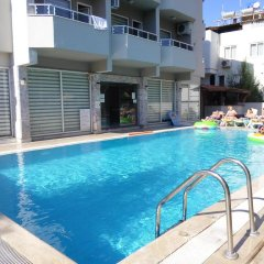 Myra Hotel бассейн