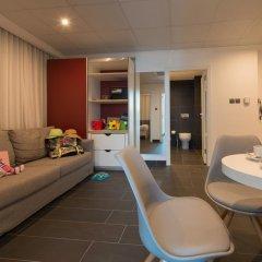 be.HOTEL 4* Стандартный семейный номер с двуспальной кроватью