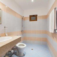 Отель Sinia Vir Eco Residence Болгария, Сливен - отзывы, цены и фото номеров - забронировать отель Sinia Vir Eco Residence онлайн ванная