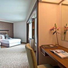 Baiyoke Sky Hotel 4* Улучшенный номер с двуспальной кроватью фото 3