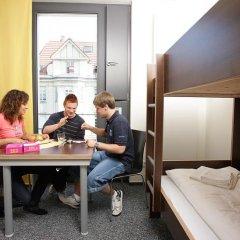 Отель Jugendherberge Düsseldorf Стандартный номер с различными типами кроватей фото 4
