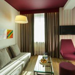 Отель Park Inn Central Tallinn 4* Люкс с различными типами кроватей фото 2