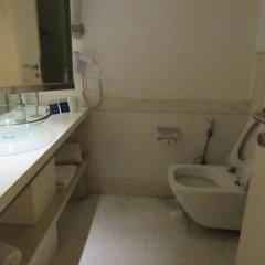 Отель The Ashtan Sarovar Portico Индия, Нью-Дели - отзывы, цены и фото номеров - забронировать отель The Ashtan Sarovar Portico онлайн ванная фото 2