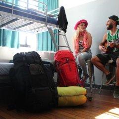 Отель Bunk Backpackers Стандартный номер с различными типами кроватей фото 5