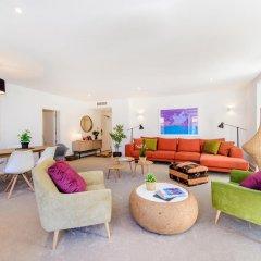 Отель Martinhal Lisbon Chiado Family Suites 5* Улучшенные апартаменты с различными типами кроватей фото 2