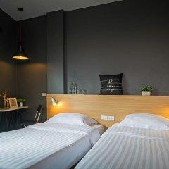 Отель Srisuksant Square Стандартный номер с 2 отдельными кроватями фото 3