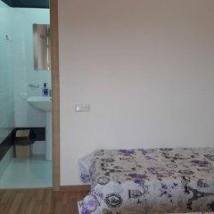 Отель Guest House West Yerevan комната для гостей фото 5