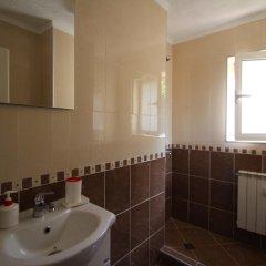 Отель Nevski Apartment Болгария, София - отзывы, цены и фото номеров - забронировать отель Nevski Apartment онлайн ванная