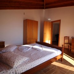 Отель Vila Caushi (Rooms&Apartments) Албания, Ксамил - отзывы, цены и фото номеров - забронировать отель Vila Caushi (Rooms&Apartments) онлайн комната для гостей фото 3