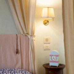 Отель Antica Dimora Firenze 3* Номер Делюкс с различными типами кроватей фото 10