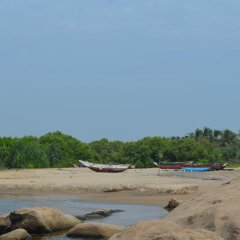 Отель Aqua Front Yala Resort пляж
