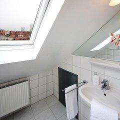 Отель Hahn Hotel Германия, Мюнхен - 3 отзыва об отеле, цены и фото номеров - забронировать отель Hahn Hotel онлайн ванная