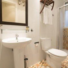 Отель Arenal Испания, Мадрид - 9 отзывов об отеле, цены и фото номеров - забронировать отель Arenal онлайн ванная фото 2