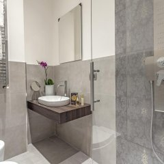 Отель St. George's Vatican Suites Улучшенный номер с различными типами кроватей фото 5