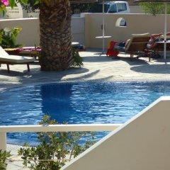 Avra Hotel бассейн