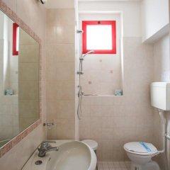 Hotel Nizza 2* Номер с общей ванной комнатой с различными типами кроватей (общая ванная комната) фото 10