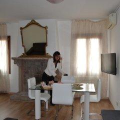 Отель Suite in Venice Ai Carmini 3* Апартаменты с различными типами кроватей фото 9