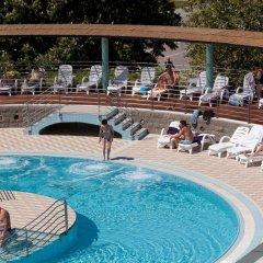 Hotel Delfin бассейн
