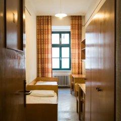 Отель Porzellaneum Стандартный номер с 2 отдельными кроватями (общая ванная комната) фото 7