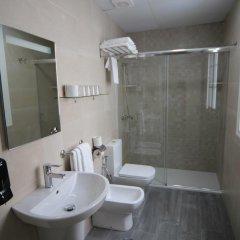 Отель Hostal Roma Стандартный номер с различными типами кроватей фото 6