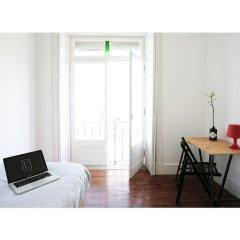 Liv'in Lisbon Hostel Стандартный номер с различными типами кроватей фото 2