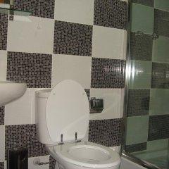 Отель DownTown Guest House 3* Стандартный номер с 2 отдельными кроватями (общая ванная комната) фото 7