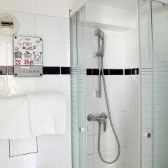 Отель Hôtel De La Tour Париж ванная