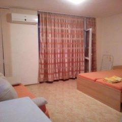 Отель Studios in Complex Elit 4 Солнечный берег комната для гостей фото 3