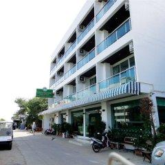 Отель Dragon Beach Resort парковка