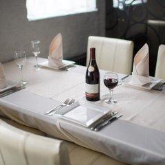 Гостиница Летучая мышь Отель в Выборге 8 отзывов об отеле, цены и фото номеров - забронировать гостиницу Летучая мышь Отель онлайн Выборг питание фото 2