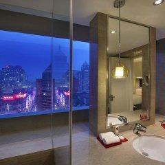 Отель Sofitel Shanghai Hyland 4* Улучшенный номер с различными типами кроватей фото 2