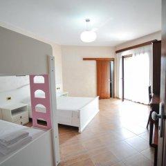 Iliria Internacional Hotel 4* Стандартный семейный номер с двуспальной кроватью