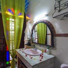 Отель Riad Lalla Zoubida Марокко, Фес - отзывы, цены и фото номеров - забронировать отель Riad Lalla Zoubida онлайн ванная фото 2