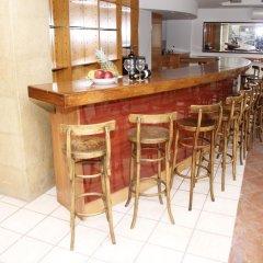 Отель Athina Inn гостиничный бар