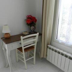 Апартаменты Studio In Villa Josephine удобства в номере