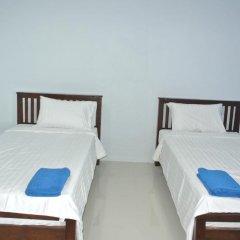 Отель Jomthong Guesthouse 2* Стандартный номер с 2 отдельными кроватями фото 10
