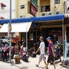 Апартаменты Parinya's Apartment Паттайя спортивное сооружение