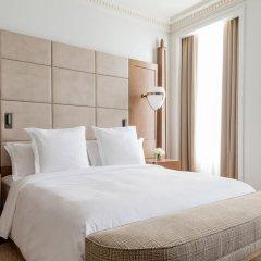 Four Seasons Hotel London at Ten Trinity Square 5* Номер Делюкс с различными типами кроватей