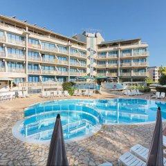 Aquamarine Hotel бассейн