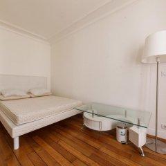 Отель Rue de Bassano by Onefinestay комната для гостей фото 4