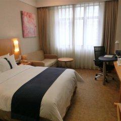 Отель Holiday Inn Express Shenzhen Luohu 3* Стандартный номер с различными типами кроватей фото 2