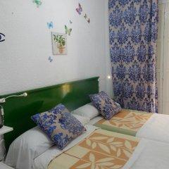Отель Giraldilla Номер категории Эконом с различными типами кроватей фото 2