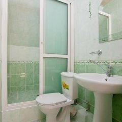 Гостевой дом Уют 2* Стандартный номер с двуспальной кроватью фото 11