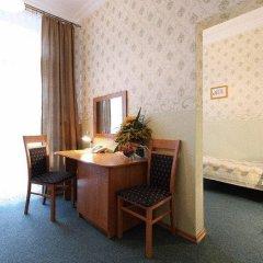 Отель Polonia Palast 2* Стандартный номер с различными типами кроватей фото 5