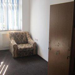 Hostel Lubin Кровать в женском общем номере