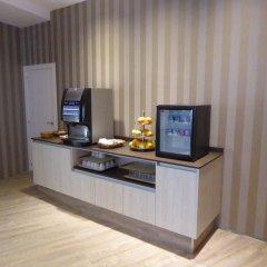 Отель Holiday Inn Express Valencia-San Luis Испания, Валенсия - отзывы, цены и фото номеров - забронировать отель Holiday Inn Express Valencia-San Luis онлайн удобства в номере фото 2